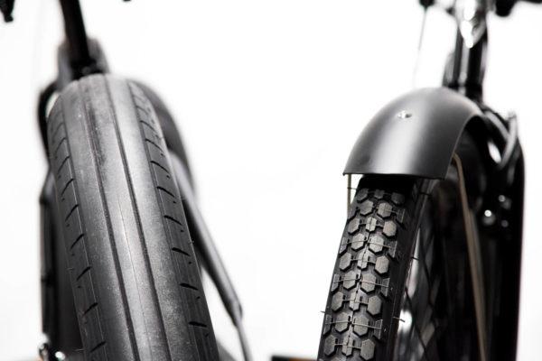 Electra Cruiser Lux Fat Tire 7D - Matta musta