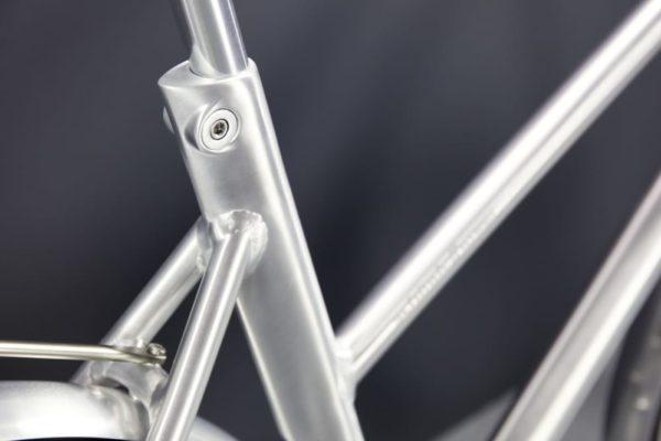 Schindelhauer Frieda VIII naisten työmatkapyörä- harjattu alumiini